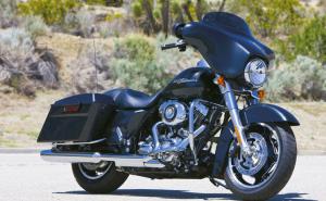 We buy Harley-Davidson FLHX Street Glides!